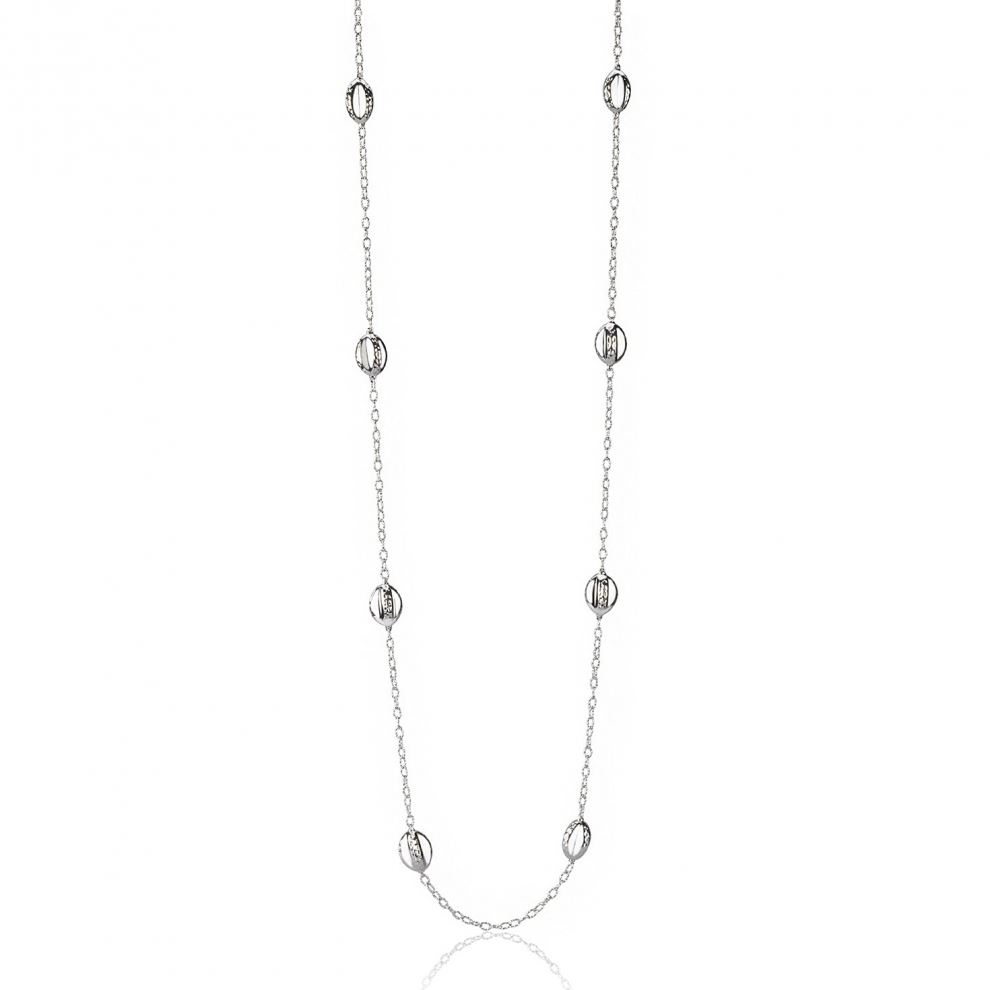 Long silver necklace with engraved elements