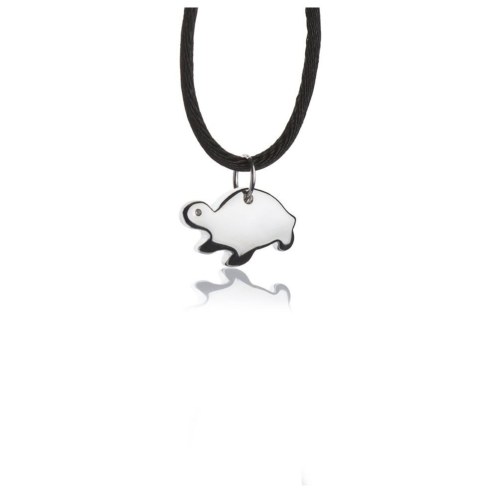 Silver necklace with turtle pendant